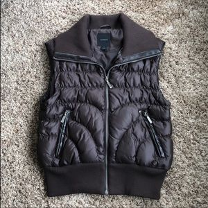 Express quilted vest. Black! Size S